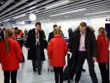 Imagen de la estación de metro de Fira de la nueva L9 durante la mañana de este lunes, primera jornada del Mobile World Congress 2016.