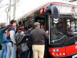 Un autobús de Barcelona, repleto de usuarios.