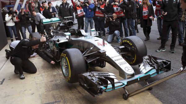 Vista frontal del Mercedes W07