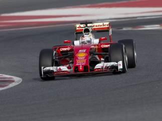 Vettel rueda con el Ferrari SF16-H