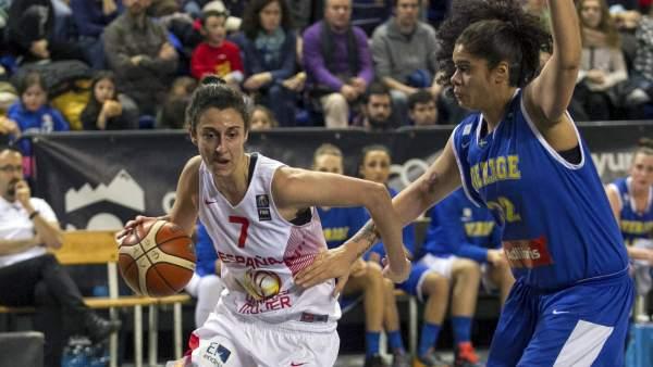 Alba Torrens con España