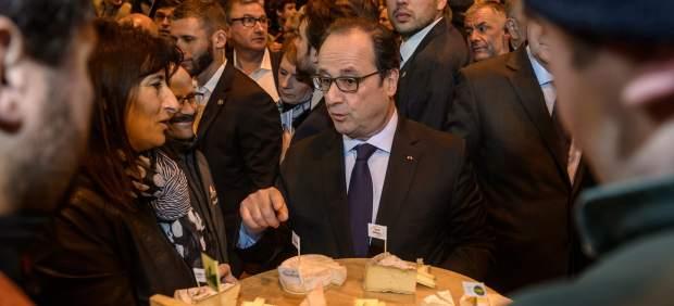 Hollande, abucheado en el Salón de la Agricultura, donde piden su dimisión por la falta de ayudas