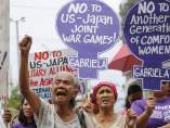"""Protesta de las conocidas como """"mujeres de consuelo"""" ante la Embajada de EEUU"""