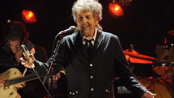 La Academia Sueca desiste de contactar con Dylan