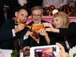 Mark Rylance, Steven Spielberg y Kate Capshaw