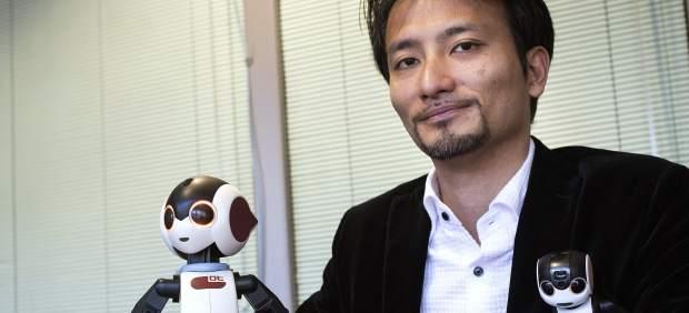 Robohon, el robot humanoide de bolsillo que espera revolucionar la telefonía móvil