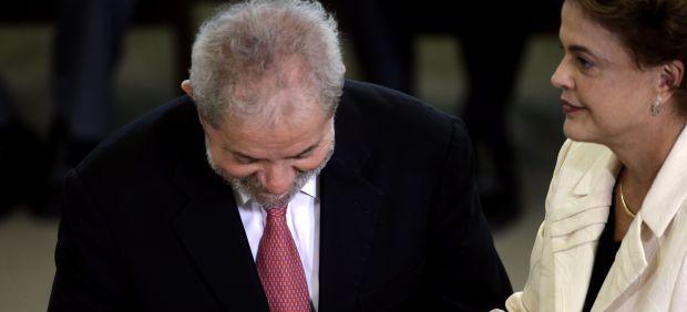 La Fiscalía pide investigar a Lula y a tres ministros de Rousseff por la corrupción de Petrobras