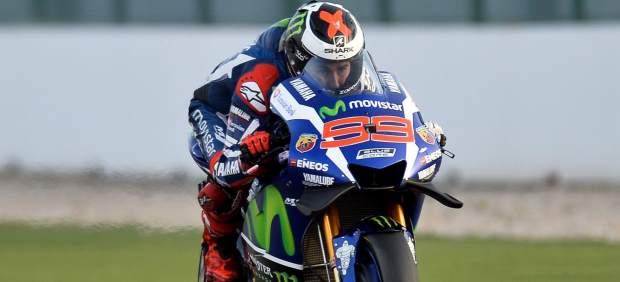 Jorge Lorenzo gana en Catar y empieza el Mundial de MotoGP dominando