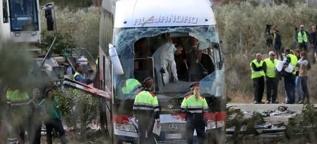 El conductor del autobús siniestrado en Freginals pasa a estado crítico en el hospital