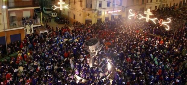 Tobarra cambiará la hora un día después que el resto de España por respeto a su tamborrada