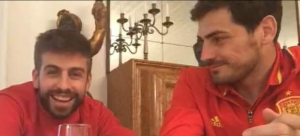Piqué y Casillas se pican en Twitter por sus vacaciones