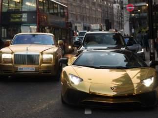 Flota coches oro multimillonario saudí.