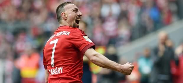 Ribéry agredió a un periodista tras la derrota del Bayern en Dortmund