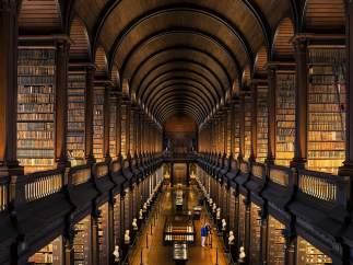 Gran sala de la biblioteca vieja del Trinity College