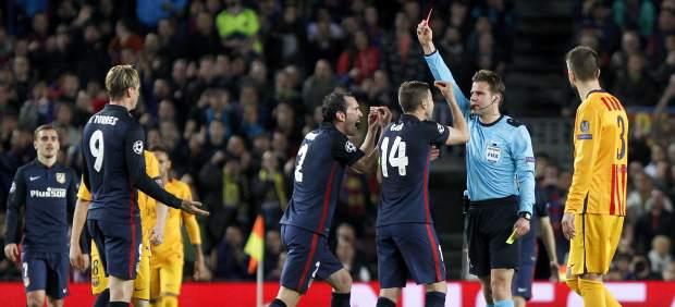 Polémica expulsión de Fernando Torres en el Camp Nou