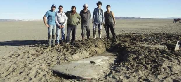 Aparece un avión perdido en 1964 tras secarse un lago argentino 268944-620-282