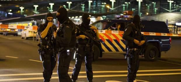 Evacuación parcial en el aeropuerto de Schiphol por una falsa alarma