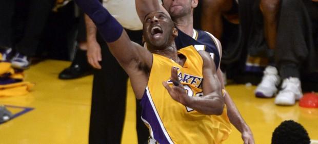Kobe Bryant hace historia y mete 60 puntos en su despedida