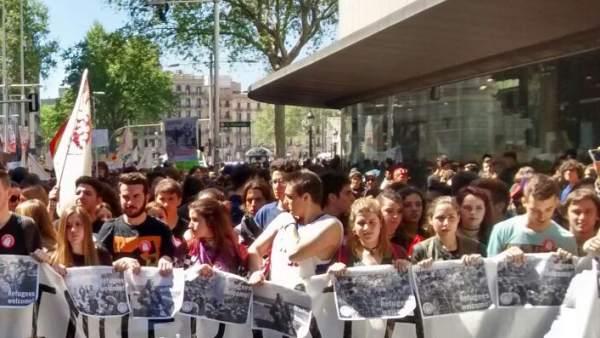 Manifestación de estudiantes en Barcelona contra la LOMCE.