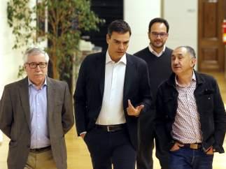Reunión de Pedro Sánchez con UGT y CC OO