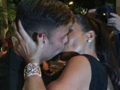 Beso benéfico de Ricky Martin