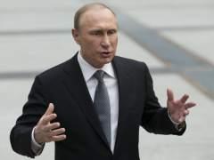 """Putin: """"Me cuesta imaginar a Trump con chicas de baja moral"""""""