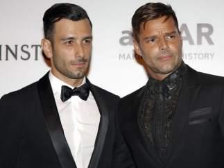 Ricky Martin posa con su pareja