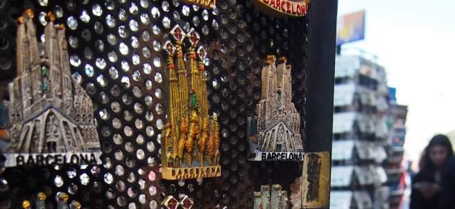 """Souvenirs de Barcelona que suelen vender los """"top manta"""""""