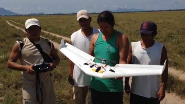 Los Wapichan, originarios del sur de Guyana, han recurrido a un dron para localizar los focos de tala ilegal.