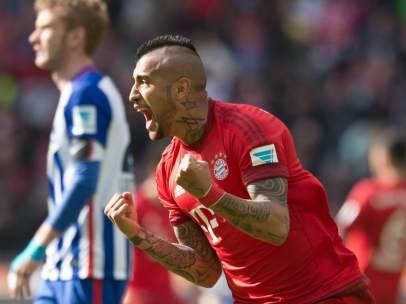 Arturo Vidal celebrando un gol