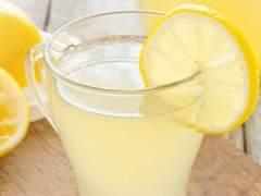 Una niña de cinco años, multada por vender limonada