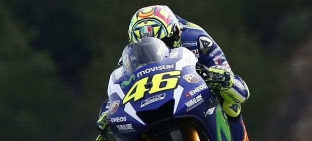 Valentino Rossi impide una fiesta española en Jerez y gana por delante de Lorenzo y Márquez
