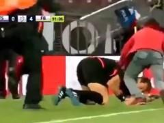 Agresión a un árbitro en la liga turca