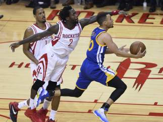 Curry ante Houston Rockets