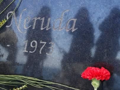 Lápida de Pablo Neruda