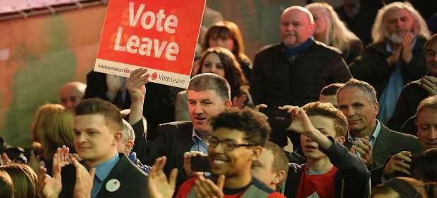 Los británicos prefieren quedarse en la UE a irse… según un sondeo