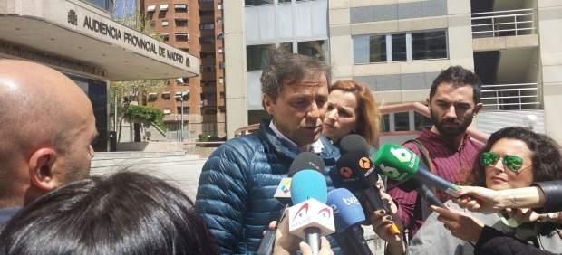 Condenan a 20 años en un psiquiátrico a la acosadora del locutor deportivo Paco González