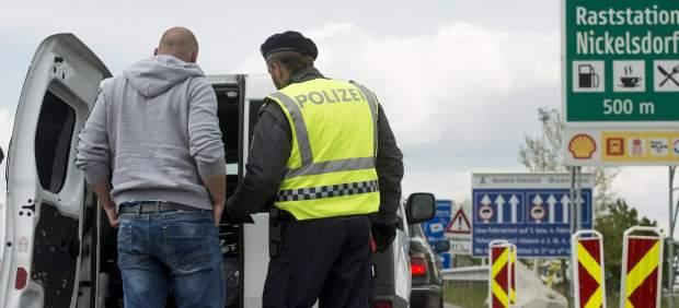 """Austria aprueba una ley para declarar """"estado de emergencia"""" migratorio y restringir el asilo"""