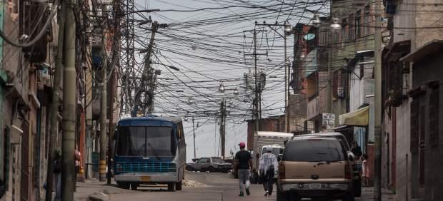 Los funcionarios de Venezuela solo trabajarán dos días a la semana para ahorrar energía