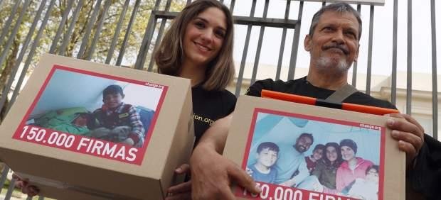 Bomberos en Acción urge a traer a España a un niño refugiado con parálisis cerebral