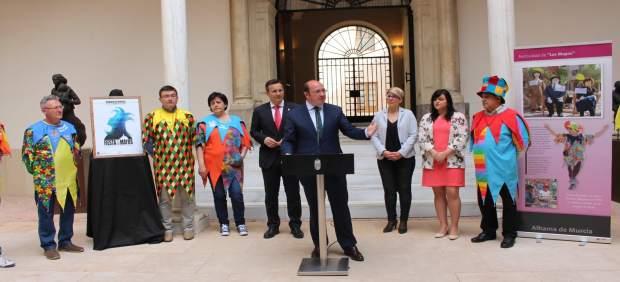 Pedro Antonio Sánchez recibe a los representantes de las 'Fiestas de los Mayos'