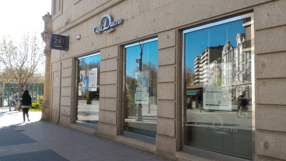 Ceiss propone 200 recolocaciones y reducir en 115 los for Oficinas caja duero salamanca