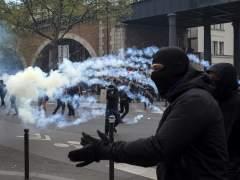 """Nuevos disturbios en la plaza de la República, la zona de la protesta """"Nuit Debut"""""""