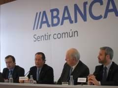 Juan Carlos Escotet (Abanca), el segundo por la izquierda