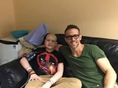 Ryan Reynolds recuerda en Facebook a un niño fallecido por cáncer