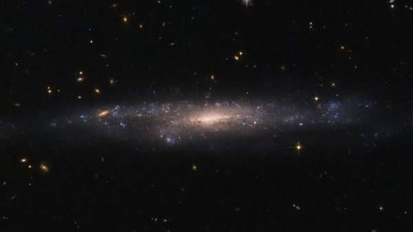 Resultado de imagen de Galaxias de bajo brillo