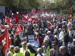"""Marchas del Primero de Mayo: miles de personas exigen acabar con la """"pobreza salarial y social"""""""