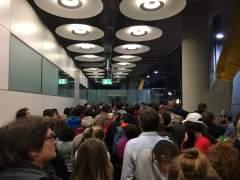 Un corte en el tren de conexión de la T4 provoca una aglomeración y quejas de los usuarios