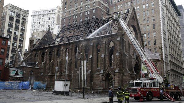 Incendio en la catedral ortodoxa de Manhattan