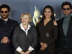 """Carmena asegura que pagó facturas a los actores de Bollywood """"por error"""""""